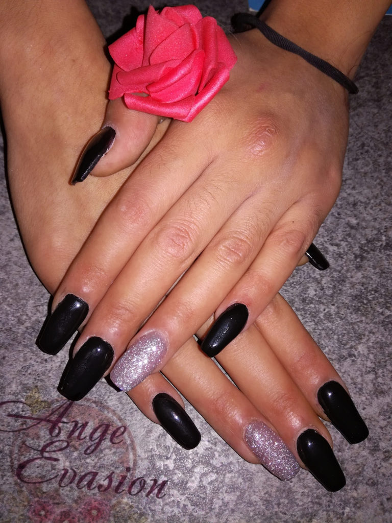 Ongles25